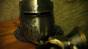 骑士` s盔甲和手套 股票录像