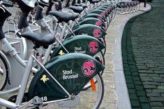 骑自行车公共 库存图片
