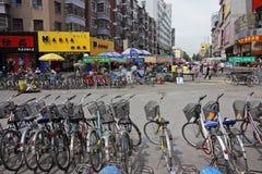 骑自行车北瓷的hohot 库存图片