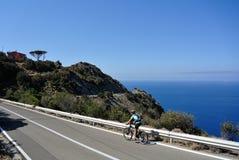 骑自行车在厄尔巴岛,托斯卡纳,意大利 库存图片
