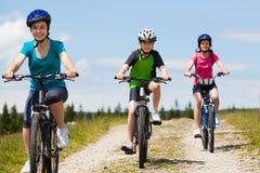家庭骑自行车 免版税库存照片