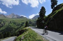 骑自行车在Kaunertal,提洛尔,奥地利 库存照片