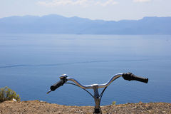 骑自行车在Kos海岛附近 免版税库存照片