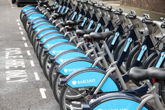 骑自行车城市伦敦 免版税库存照片