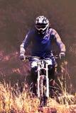 骑自行车当极端和乐趣体育 免版税库存照片