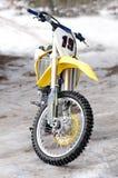 骑自行车摩托车越野赛 图库摄影
