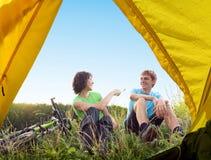 骑自行车放松 免版税库存图片