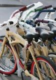 骑自行车新 库存图片