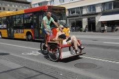 骑自行车的人在丹麦 库存照片