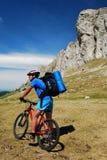 骑自行车的人山罗马尼亚 免版税库存照片