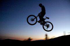 骑自行车的人山 免版税图库摄影