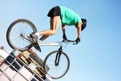 骑自行车的人活动堵塞试算 库存图片