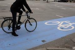 骑自行车的人车道 免版税库存照片