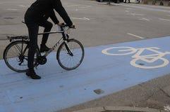 骑自行车的人车道 免版税库存图片