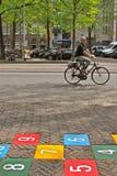 骑自行车的城市 免版税库存图片