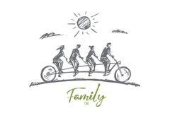 骑自行车的手拉的四口之家成员 免版税库存图片