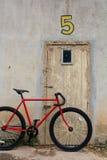 骑自行车红色 库存照片