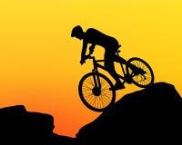 骑自行车者剪影极端骑自行车 库存例证
