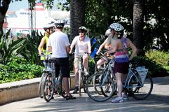 骑自行车者在公园,马拉加,西班牙 免版税库存照片