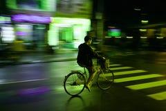 骑自行车者在越南 免版税库存照片
