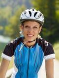 骑自行车者女性 库存图片