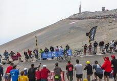 骑自行车者托马斯攀登Mont Ventoux的Voeckler 库存照片