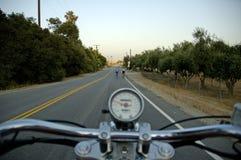 骑自行车者摩托车车手 免版税库存图片