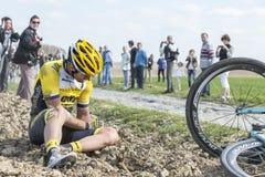 骑自行车者汤姆范Asbroeck -巴黎鲁贝2015年 库存图片