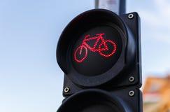 骑自行车者的红绿灯在布达佩斯 免版税库存图片
