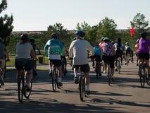 骑自行车者种族 库存图片
