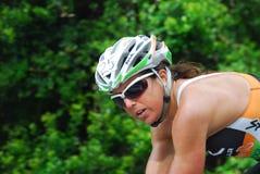 骑自行车者纵向 免版税库存图片