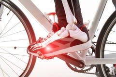 骑自行车者脚 免版税库存图片