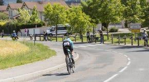 骑自行车者雅各布Fuglsang - Criterium du杜法因呢2017年 免版税库存照片