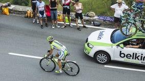 骑自行车者彻尔的de Peyresourde吉恩Marc Marino -游览de Fra 免版税库存照片