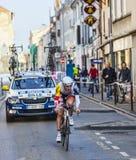 骑自行车者Bille Gaëtan-巴黎尼斯2013年序幕在Houilles 免版税库存图片