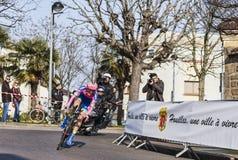 骑自行车者Cattaneo Mattia-巴黎尼斯2013年序幕在Houille 免版税库存照片