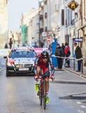 骑自行车者Moinard Amaël-巴黎尼斯2013年序幕在Houilles 库存照片