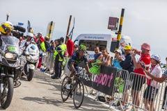 骑自行车者Nairo亚历山大Mont的Ventoux金塔纳罗哈斯 免版税库存照片