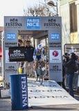 骑自行车者Veuchelen弗雷德里克巴黎尼斯2013年序幕在Houi 免版税库存照片