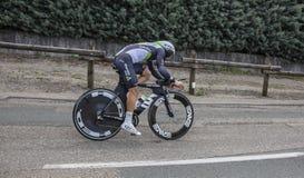 骑自行车者Youcef Reguigui - Criterium du杜法因呢2017年 库存照片