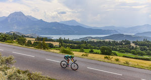 骑自行车者Yukiya Arashiro 免版税图库摄影