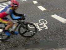 骑自行车骑自行车者种族 库存照片