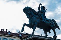 骑马纪念碑,圣克罗广场,都灵,山麓,意大利 免版税库存图片