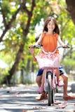 骑马自行车 免版税库存照片