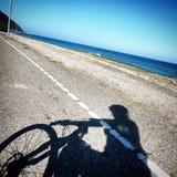 骑马自行车 库存照片