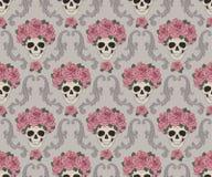 头骨和玫瑰锦缎样式 免版税库存图片