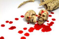 头骨和血液 皇族释放例证