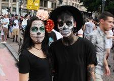 头骨夫妇在蛇神步行圣保罗的 免版税库存照片