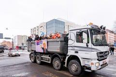 高中学生的芬兰penkkari传统 免版税图库摄影