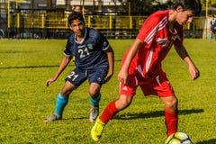 高中英格兰足球联赛比赛 库存照片
